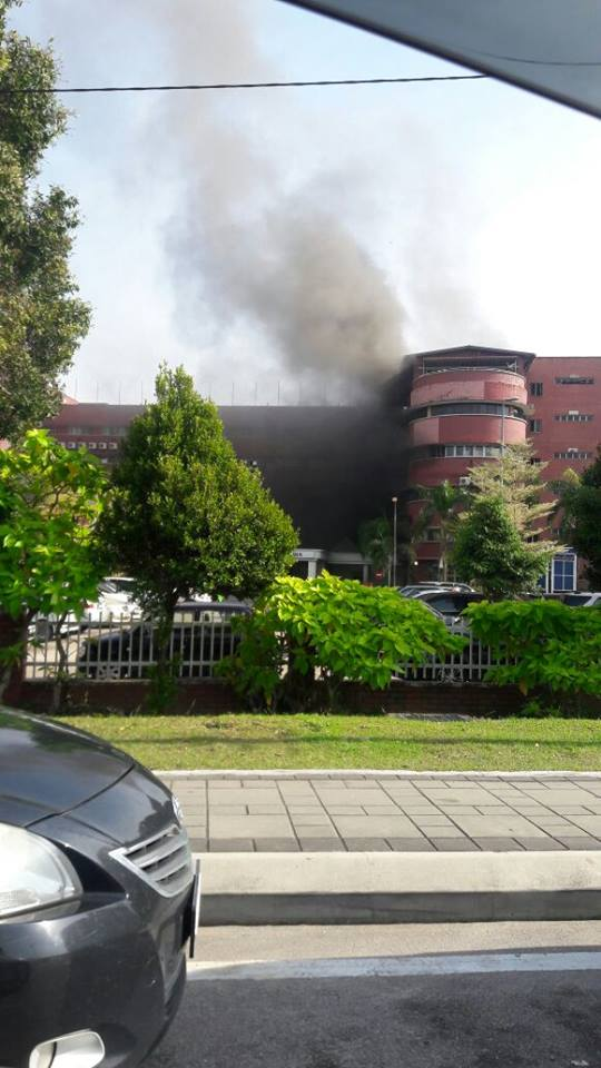 [Image: kebakaran%2Bdi%2Bwad%2BHospital%2BSultan...Bahru3.jpg]