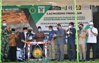 Gus Syauqi, Putra Wapres Hadiri Launching Program Mari Bertani Taman Nusatera di Bima