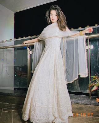 Avneet Kaur Latest HD Wallpaper White dress