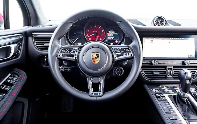 Porsche-Macan-GTS-interior