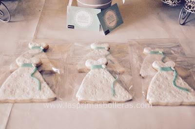 Mesas de dulces para bodas galletas vestido de novia