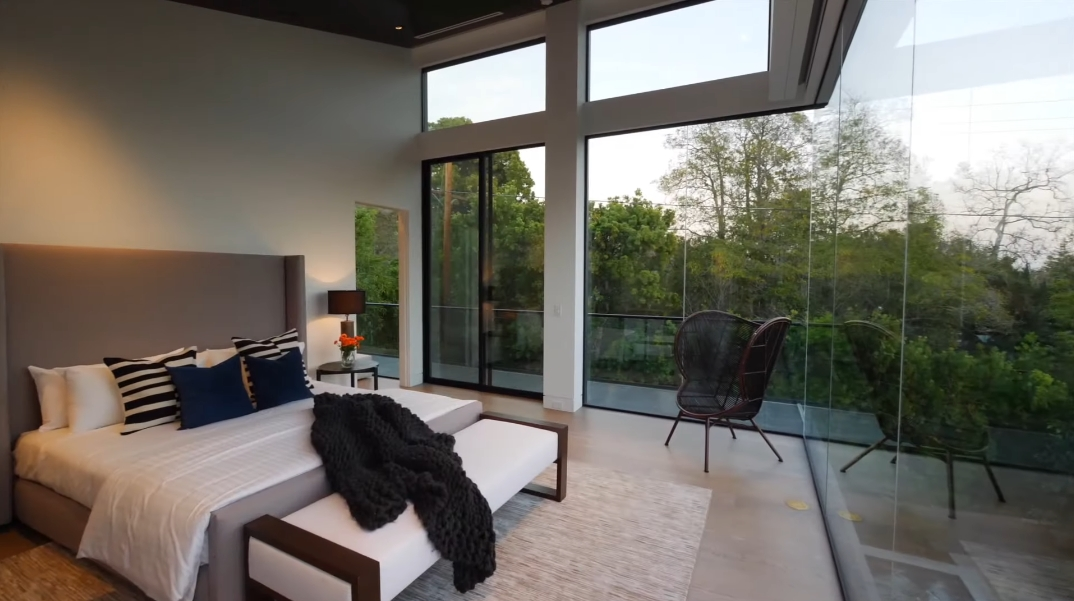 38 Interior Photos vs. 340 N Cliffwood Ave, Los Angeles, CA Ultra Luxury Modern Mansion Tour