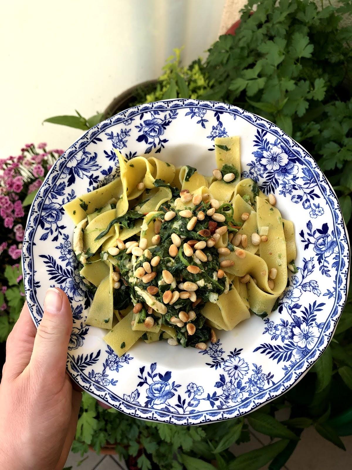 Lżejszy sos szpinakowy do makaronu