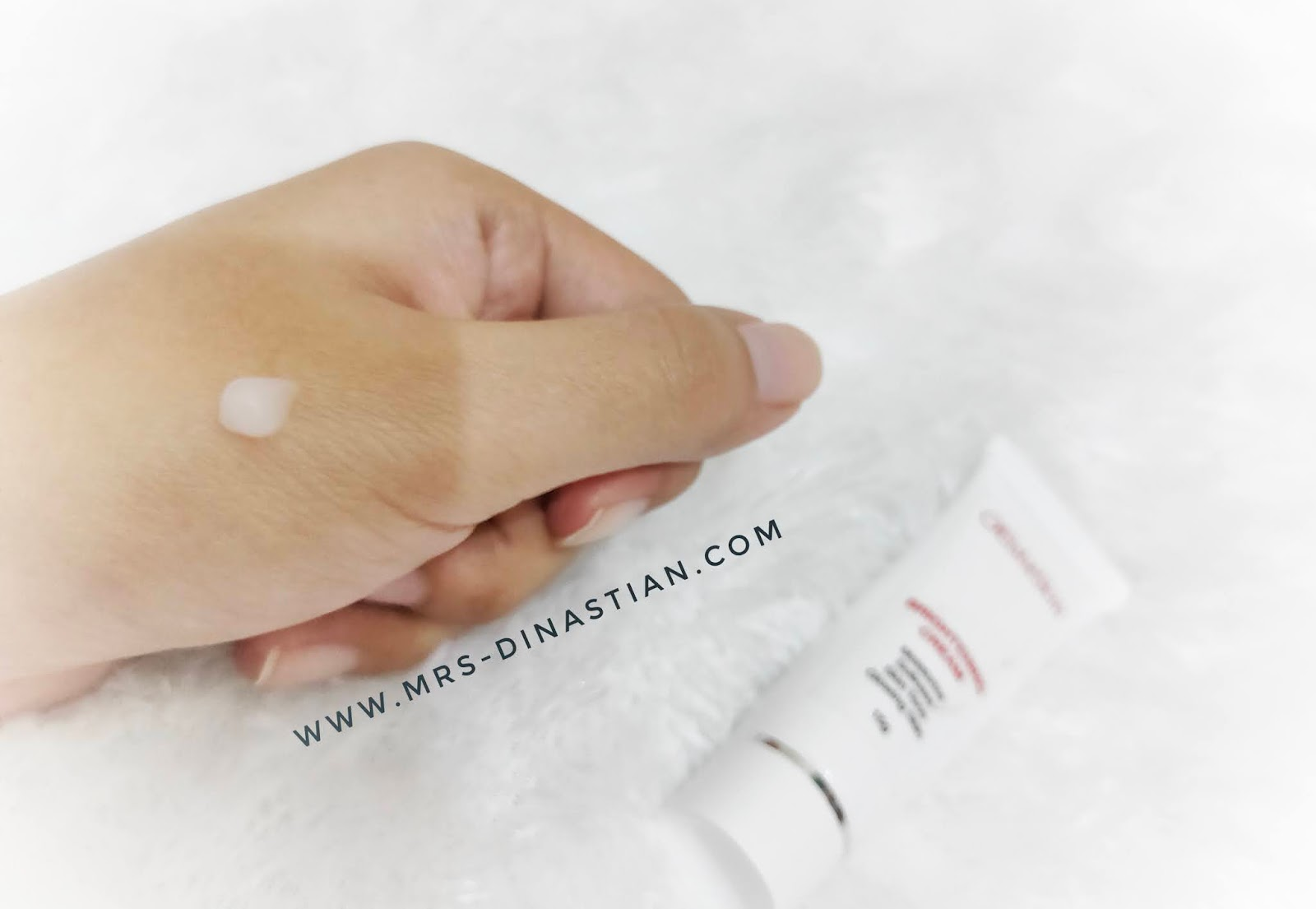 Tekstur Elsheskin Brightening Cream