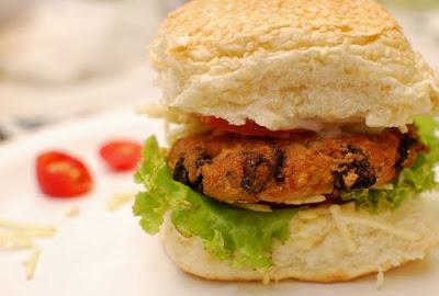 Hambúrguer de Tofu com Funghi (vegana)