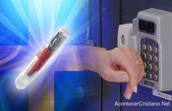 Implante microchip bajo la piel