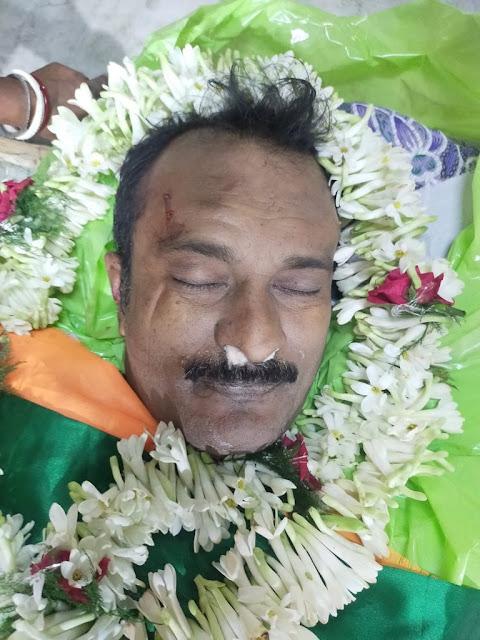 कभी न खत्म होने वाली हिंसा पश्चिम बंगाल के सोनारपुर नॉर्थ एसी में दीदी के गुंडों ने बीजेपी कार्यकर्ता और स्थानीय एससी मोर्चा महासचिव निर्मल मंडल की बेरहमी से हत्या कर दी.  कब तक ?? बहुत असहाय महसूस कर रहा हूँ....  @jdhankhar1 सर, आप राष्ट्रपति शासन की सिफारिश क्यों नहीं कर रहे हैं? https://t.co/4iYmgyZ5EJ
