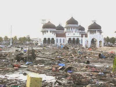 masjid baiturrahman pasca tsunami aceh