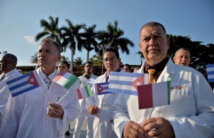 52 Médicos cubanos llegan a Italia para ayudar al país a luchar contra el Coronavirus