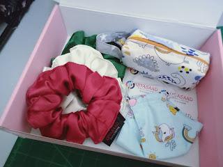 Pencil case, mini boxy case, jahit bekas pensel, qiya saad, qiyasaad tailor, tukang jahit klang selangor, jahit kraf, jahit beg, bag cantik, beg murah, gift box malaysia, birthday gift box, birthday surprise, hadiah hari jadi, aksesori perempuan wanita cantik,