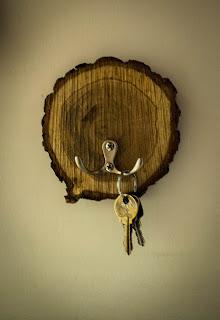 Drewniany wieszak na klucze