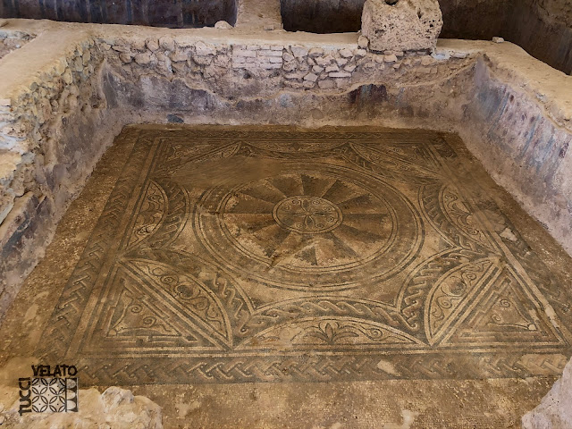 Otra habitación decorada con mosaicos de la villa romana de El Ruedo