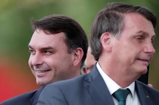 """Flávio Bolsonaro diz que áudios são """"clandestinos"""""""