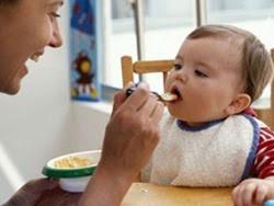 Bước đầu làm quen với thức ăn đặc