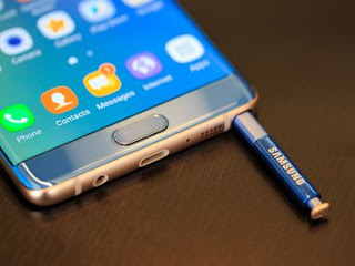 Samsung Galaxy Note 7 with stylus