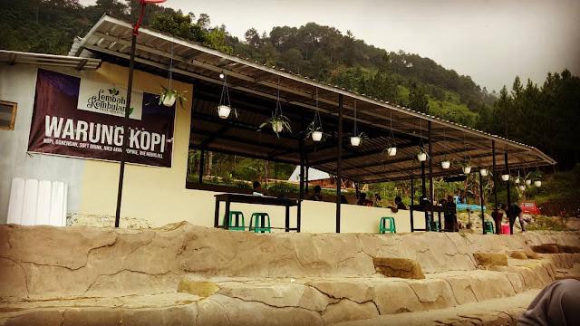 warung kopi di wisata lembah rembulan