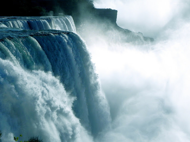 خلفيات مناظر طبيعية لصور الشلالات