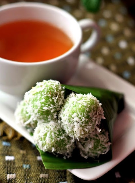 klepon1-traditional indonesian food culture