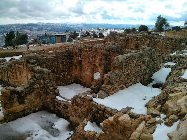 נבי מוסא בלבן בחורף