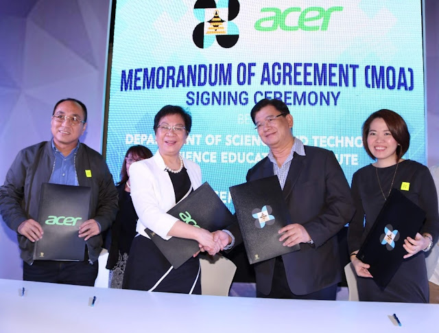 (left-right) Department of Science and Technology (DOST) – Science Education Institute (SEI) Deputy Director, Engr. Albert Marino; SEI Director, Dr. Josette Biyo; Acer Philippines Managing Director Manuel Wong and Sales and Marketing Director Sue Ong-Lim seal DOST's partnership with the local ICT giant, Acer Philippines, to host the derby's sophomore run using its Internet-of-Things toolkit, Acer Cloud Professor.