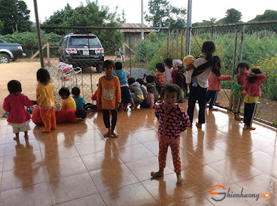 Tấm lòng nhân ái: thăm các em nhỏ ở Đăk nông