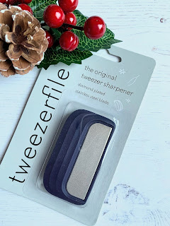A Great Stocking Filler Idea From Tweezerfile