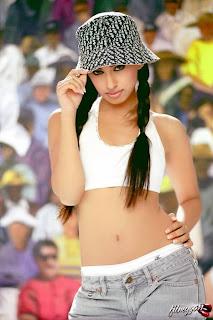 Seductive British Actress Fagun Thakrar Hot Pics