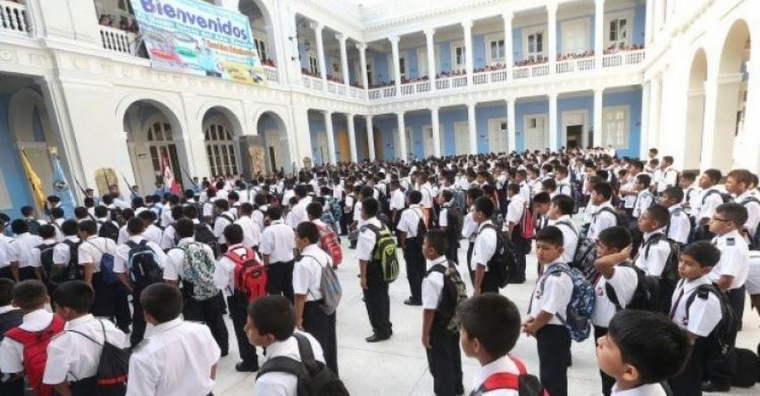 Defensoría del Pueblo propone una comisión para revisar cuestionados textos escolares