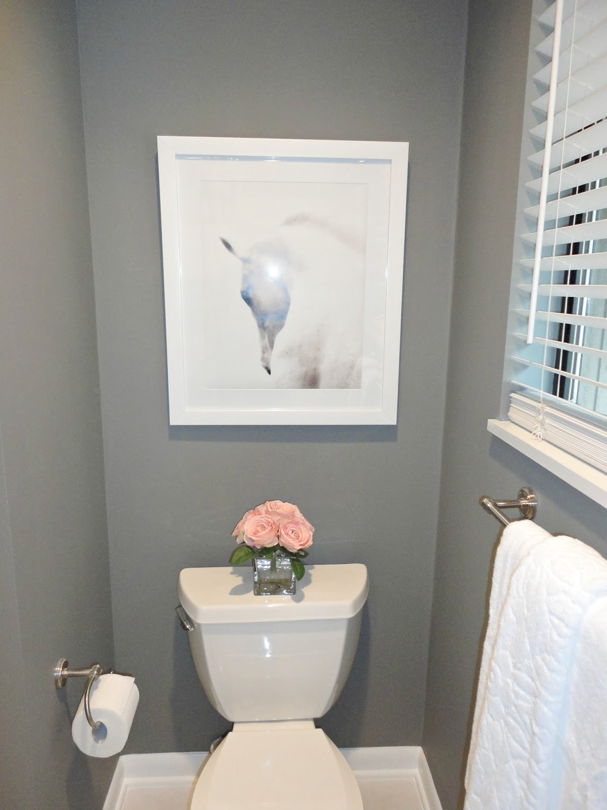 Diy bathroom remodel on a budget livelovediy bloglovin for Remodel a bathroom on a budget
