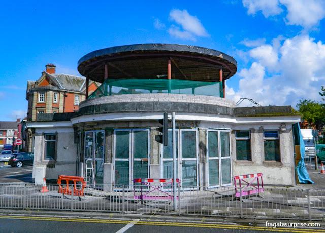 Liverpool: abrigo de ônibus citado na letra de Penny Lane, dos Beatles