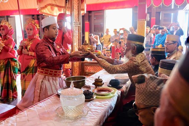 Accera Kalompoang berlangsung di Museum Balla Lompa Kabupaten Gowa, Minggu (11/8/2019). www.masmedia.xyz