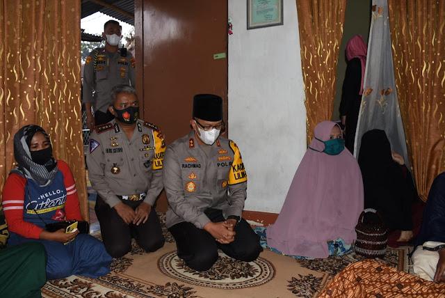 Polda Jambi Berduka, Kapolda Melayat ke Rumah Duka Bripka Wahyu