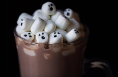 Marshmallow Ghost Halloween Hot Chocolate #chocolate #hallowen