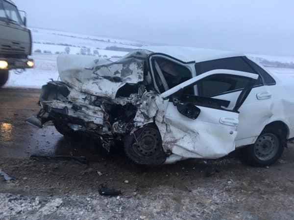 Лобовое столкновение в Башкирии: погиб молодой парень