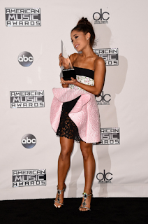 Ariana Grande's Feet and Legs Pictures