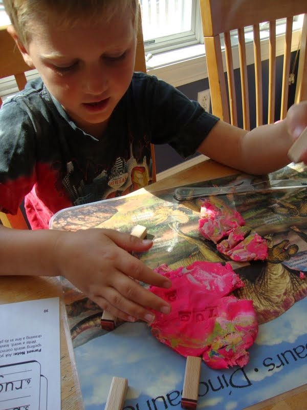 Our unschooling journey through life 35 sight word games and activities fizzing sight words i have some letter trays i purchased on amazon and one day i filled them with a baking soda water paste i also added some kool aid sciox Image collections