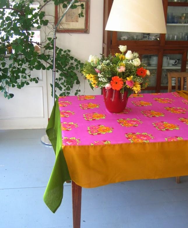 toalhas-de-mesa-muita-cor