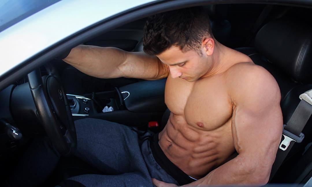 shirtless-muscular-car-driver-hunk-dominic-nicolai