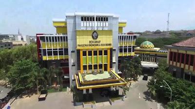 Kampus UNDIP Semarang