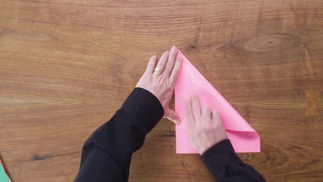 pesawat kertas