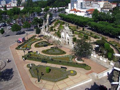 vista panorâmica de praça em Barcelos