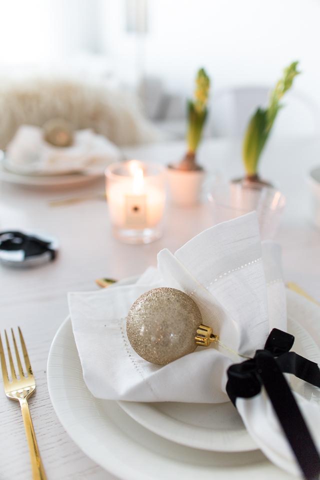 Villa H, kattaus inspiraatio, joulukattaus, table setting, arabia lumi astiasto