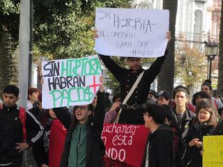 estudiantes en plaza victoria