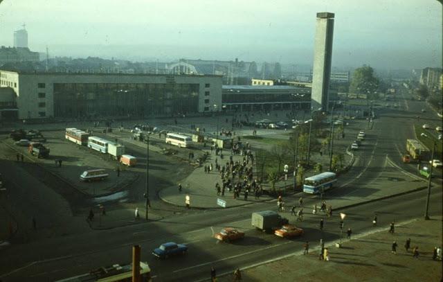 Первая половина 1980-х годов. Рига. Вид на Привокзальную площадь и здание Центрального ж/д вокзала.