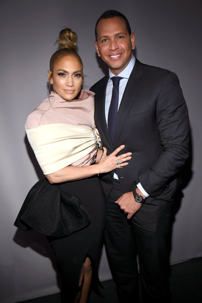 8- Alex Rodriguez Lopez opened her heart to Alex Rodriguez and accepted his proposal in 2019 when he proposed to her in a romantic way on the beach. Their wedding was postponed more than once for various reasons until they separated after a two-year engagement and then decided to stay as friends.