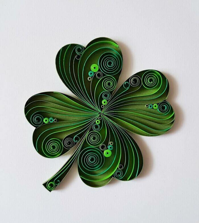 10-Four-leaf-clover-Luck-Gergana-Pencheva-www-designstack-co
