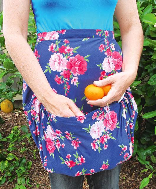 Фартук с карманом для садовых работ. Apron