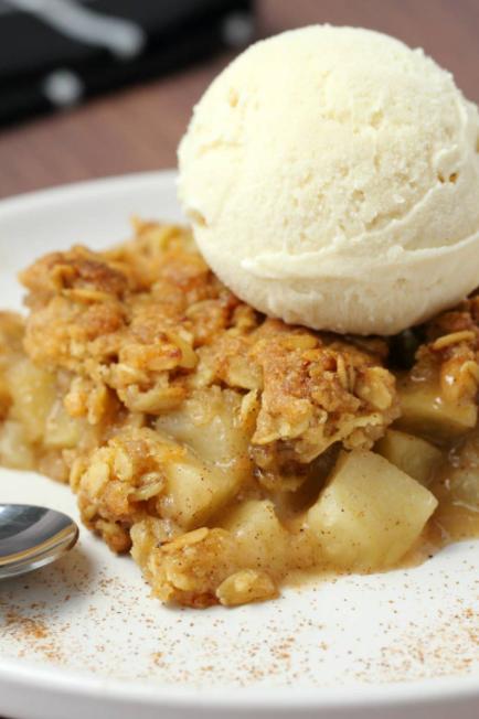 Apple Crumble with Ice-cream