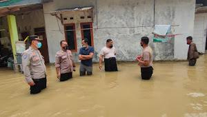 Gerak Cepat, Kapolsek Rangkasbitung Polres Lebak  Patroli Tinjau dan Petakan Wilayah Rawan Banjir