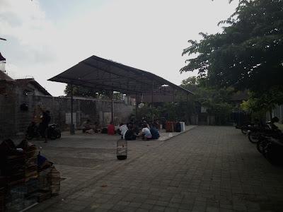 area dalam pasar burung satria